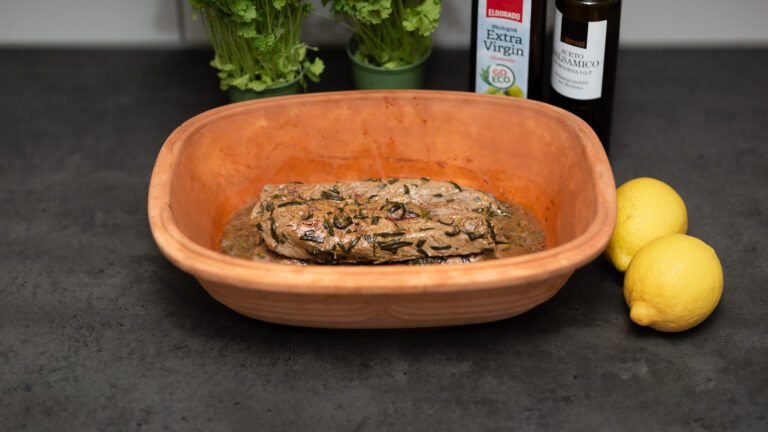 Lammfilé med rosmarin i lergryta